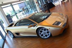 Музей Lamborghini можно посетить в Интернете